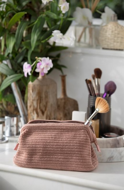 Ceannis - New cosmetic bag crochet soft pink