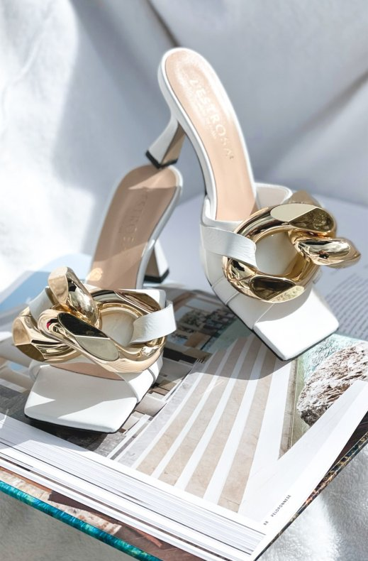 Lestrosa - Large Gold Buckle Heel - White